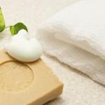 朝の洗顔料は必要か?|美肌になる朝の洗顔方法